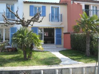 Three bed waterfront house in Port Grimaud Sud. - Port Grimaud vacation rentals