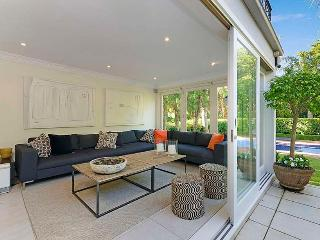Gorgeous House with Internet Access and A/C - Watsons Bay vacation rentals