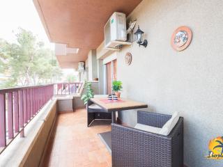 Adorable 3 bedroom Condo in Salou with Television - Salou vacation rentals