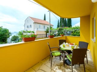 Beautiful 2 bedroom Apartment in Cavtat - Cavtat vacation rentals