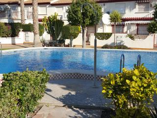 Town house in great position for a lively holiday - La Zenia vacation rentals