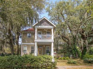 Gorgeous Home with Cook's Kitchen In Port Royal - Port Royal vacation rentals