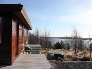 Lakehouse next to a golf course - Arborg vacation rentals