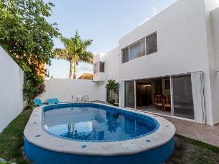Casa Oro - Quiet In-Town Location, Pool, 4 Bedrooms - Cozumel vacation rentals