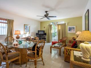 Casa Santa Fe - Cute House, Great Location, Close to Everything - Cozumel vacation rentals