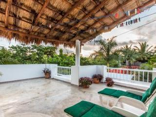 Casa de Paz - Central Location, Private Dead-End Street - Cozumel vacation rentals