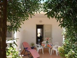 Villette in stile dammuso a pochi passi dal mare - Lampedusa vacation rentals
