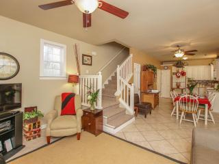 2 bdroom 2.5 Bath/ Close to Water/Beach/Restaurant - Port Royal vacation rentals