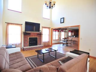 Comfortable House with Internet Access and Game Room - Tannersville vacation rentals