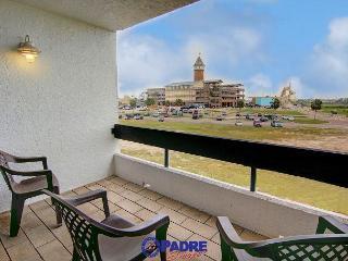 3 Bedroom Penthouse unit at Schlitterbahn entry! - Corpus Christi vacation rentals