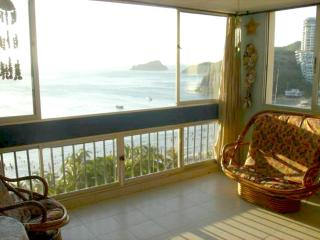 Beautiful Condo with A/C and Elevator Access - Santa Marta vacation rentals
