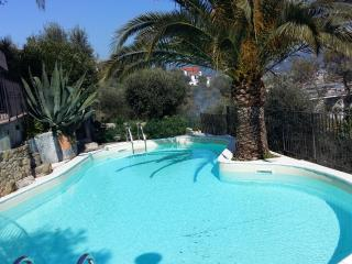 Sweet home Imperia con piscina - Poggi vacation rentals