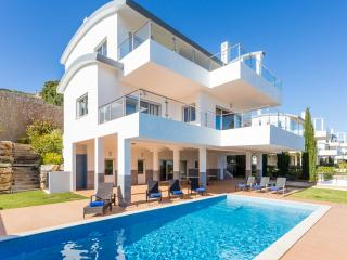 Very large luxury villa - heated pool & sea views - Salema vacation rentals