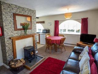 WINDERMERE one of eleven apartments in a courtyard setting, woodburning stove, pet-friendly in Sawrey Ref 935819 - Sawrey vacation rentals