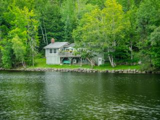 Corkum Cove Cottage, Lumsden's Pond, Wolfville - Wolfville vacation rentals