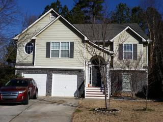 SPACIOUS 6 bedroom 3 Bath Home SLEEPS up to 13!!!! - Cartersville vacation rentals