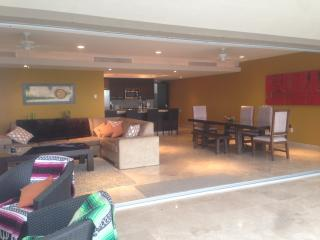 Nice 3 bedroom Apartment in Cabo San Lucas - Cabo San Lucas vacation rentals
