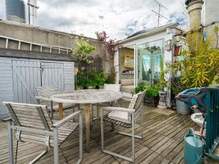 Notre Dame Penthouse+Terrace - Paris vacation rentals