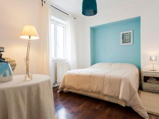Santa Catarina Duplex Apartment | RentExperience - Lisboa vacation rentals