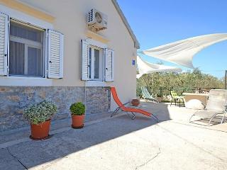 3 bedroom House with Internet Access in Kukljica - Kukljica vacation rentals