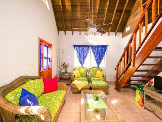 Casa de Rexanna upper - Roatan vacation rentals