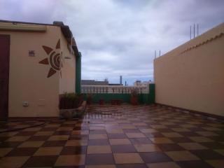 Fantastico Attico con terrazza di 100 mtq. - Cruce de Arinaga vacation rentals