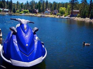 $95 per night! PRIVATE BOAT DOCK!  LAKEFRONT!  HOT TUB! ROMANTIC  VIEWS! - Big Bear Lake vacation rentals