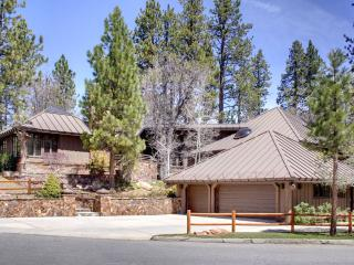 MOUNTAIN ESTATE, HEATED SWIMMING POOL, TENNIS CRT - Big Bear Lake vacation rentals