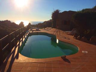 VILLETTA SOLE 2 CON PISCINA DA 2 A 18 PERSONE - Costa Paradiso vacation rentals