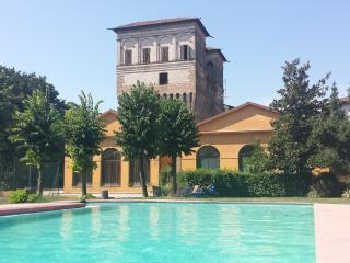 Palazzo Barbò - Appartamento piano Terra - Torre Pallavicina vacation rentals