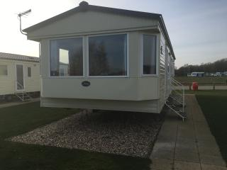 Luxury Caravan 11 Lazy Swan - Tattershall vacation rentals