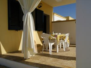 Villa Amalfi 4 at the seaside with parking space - Marina di Mancaversa vacation rentals