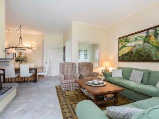 2 bedroom Condo with Parking in Stresa - Stresa vacation rentals