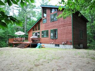 3BR White Mountains Lodge near Skiing w/Fireplace,Wifi,Game Room-Dogs Welcome - Madison vacation rentals