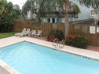 Upgraded condo w/ shared pool, only a 1/2 block from the beach - South Padre Island vacation rentals