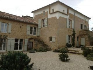 Farmhouse with pool, 4 beds and great interiors. - Verfeil vacation rentals