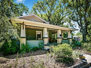 EREHWON RETREAT Bungalow 2 bedroom - Tampa vacation rentals