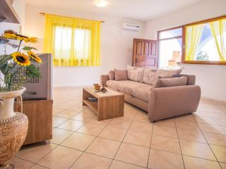 apartment (2+2) for relaxing holiday 1 - Stara Baska vacation rentals