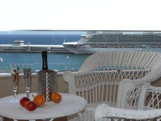 Beautiful Apartment in Marina - Funchal vacation rentals