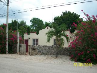 Charming, 2 Bedroom House in Magical Izamal, Yuc. - Izamal vacation rentals