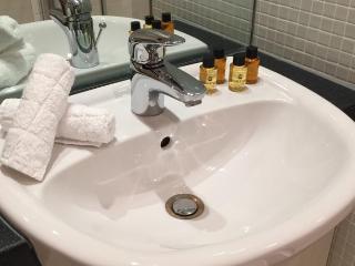 Luxury Leeds City Centre Apartment - STUNNING VIEW - Leeds vacation rentals