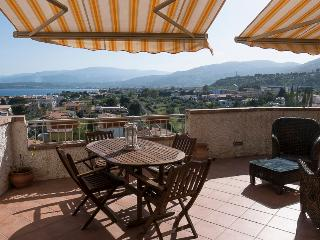 Delicious, independent house facing Pietragrande. - Montepaone vacation rentals