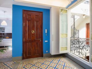 """ECLECTIC FLAT """"Quadrat d´Or"""" Aribau / Diagonal - Barcelona vacation rentals"""