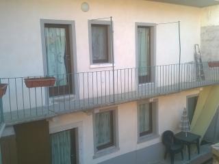 appartamento caratteristico in legno - Madonna del Sasso vacation rentals