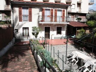 Romantic 1 bedroom Villa in Bordighera - Bordighera vacation rentals