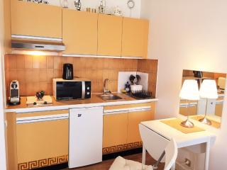 Apartment Suresnes / Paris Porte Maillot - Suresnes vacation rentals