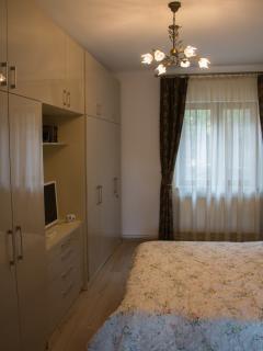 Cozy 1 bedroom Brasov Apartment with Dishwasher - Brasov vacation rentals