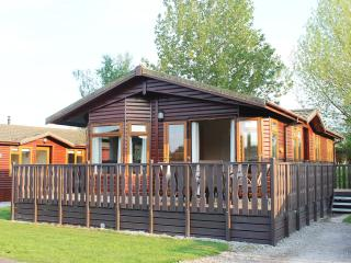Luxury Holiday Lodge with shared Pool. - Carnforth vacation rentals