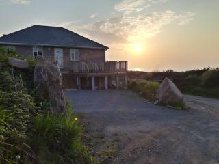 Beautiful Condo with Washing Machine and Television - Tralee vacation rentals