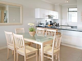 Bright Muizenberg Condo rental with Balcony - Muizenberg vacation rentals